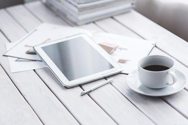 Samsung tablet káva
